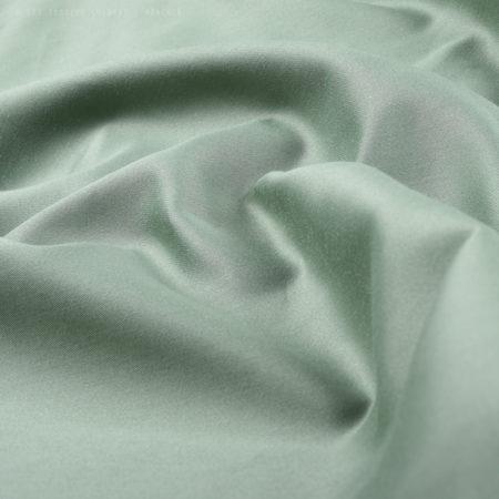 0441-02-cono-satin-eukalyptusgruen-stoff-fabric-fold